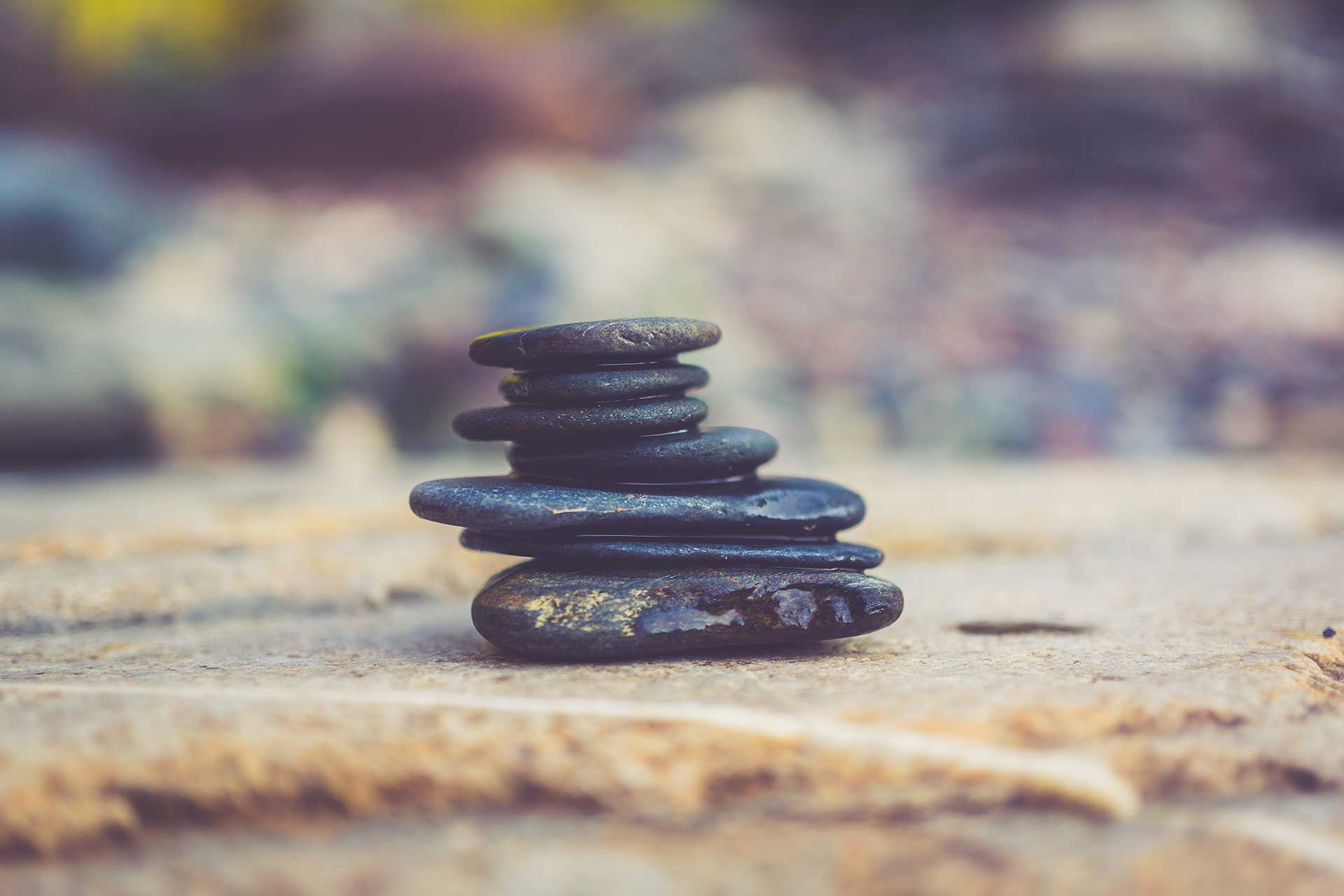 balanced-rock-cairn